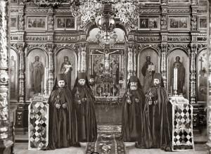 Русские монахи в день своего пострига. Фотография начала XX в.
