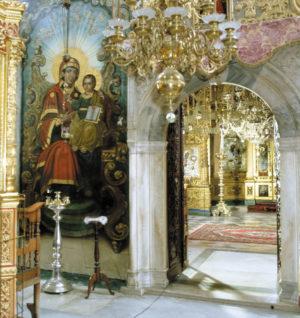 В литийном притворе Пантелеимоновского собора Русского монастыря